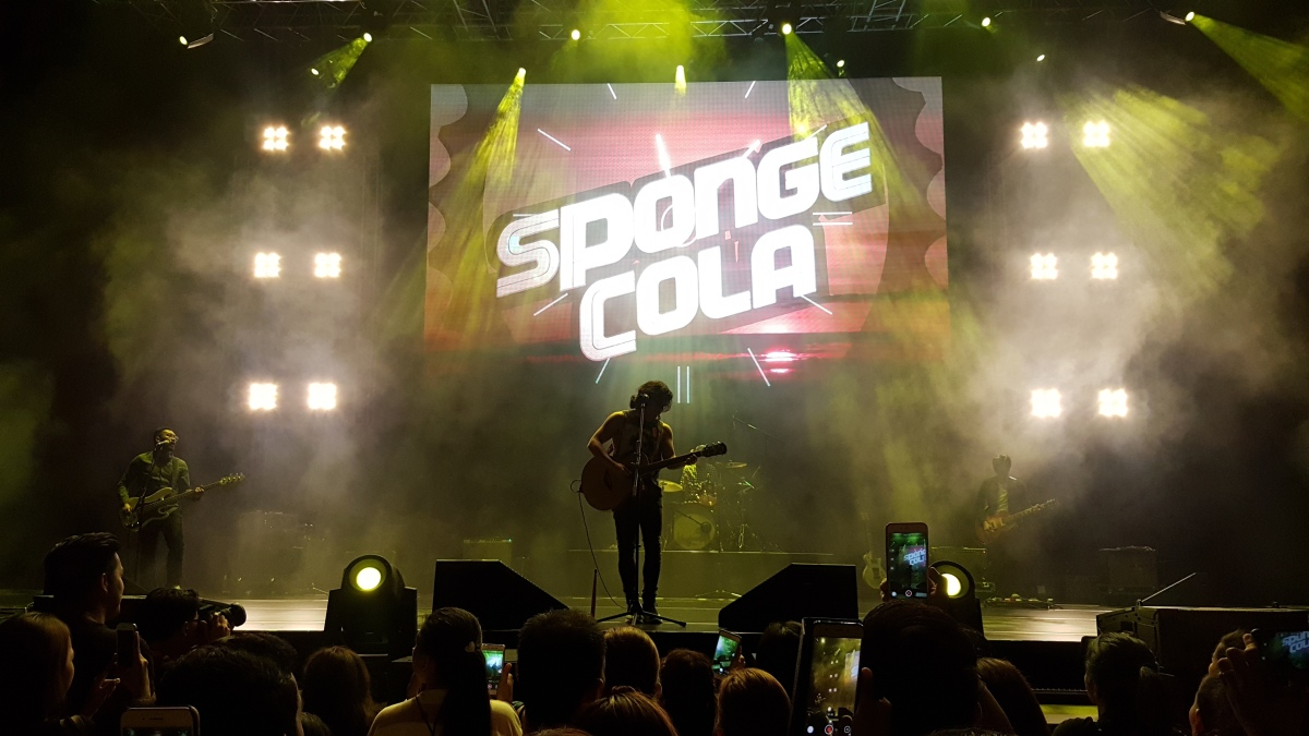 Sponge Cola Live inSingapore